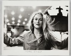 An American actress of the Meryl Streep was considered by critics as the best actress of her time. Interested in acting at a young age, Meryl Streep enrolled in the Yale School of Drama. She was nominated for the Academy Award 21 times of which she won Man Ray, Pretty People, Beautiful People, Herbert List, Perfumes Vintage, Duane Michals, Photography Words, 1970s Photography, Photography Magazine