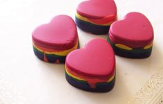 DIY: rainbow crayons.http://papernstitchblog.com/2011/02/21/how-to-make-cool-rainbow-crayons/