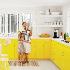 Cozinha Amarela que brilha como o Sol