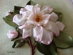 silk ribbon embroidery flower She has all the different flowers and tutorials pinned. very nice, thank you