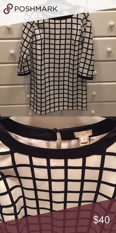 Like new Jcrew Windowpane Shift Dress! Worn a few times and in perfect condition. This dress is a black and cream windowpane pattern and is a size 4 from J crew. Shift style with 3/4 length sleeves. J. Crew Dresses Mini