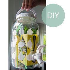 Het einde van het schooljaar vraagt om een cadeautje voor de leerkracht. Ik maakte een zelf ijsthee maken-kit met recept uiteraard! #juf #meester