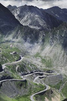Transfagarasan Road in Romania. Places To Travel, Places To See, Travel Destinations, Albania, Bulgaria, Wonderful Places, Beautiful Places, Visit Romania, Dangerous Roads