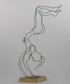 She not only has implied volume, but implied movement as well Alexander Calder, L'acrobate, wire sculpture on wooden base Alexander Calder, Abstract Sculpture, Sculpture Art, Wire Sculptures, Wire Drawing, Sculpture Projects, Kinetic Art, Middle School Art, Wire Art