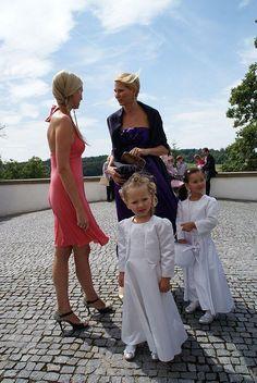 Karel Gott, Girls Dresses, Flower Girl Dresses, Bridesmaid Dresses, Wedding Dresses, Celebrities, Fashion, Dress, Dresses Of Girls