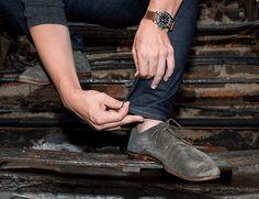 Cuffed vs. Cropped: Wie Mann seine Hose krempelt