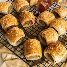 Pork and Fennel Sausage Rolls are a great party appetiser! Perfect for the kids! Healthy Burger Recipes, Entree Recipes, Pork Recipes, Snack Recipes, Cooking Recipes, Snacks, Chicken Sausage Rolls, Homemade Sausage Rolls, Sausage Roll Recipes