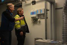 11.3.2016 Sosiaali-ja terveyskeskus D-osan IV-konehuone. Jani tutustuu palopeltikeskuksen toimintaan.
