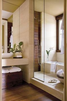 Tiny house bathroom - Looking for small bathroom ideas? Take a look at our pick of the best small bathroom design ideas to inspire you before you start redecorating. Bathroom Tub Shower, Tub Shower Combo, Wood Bathroom, Bathroom Interior, Glass Shower, Bath Tub, Bathroom Ideas, Bath Tiles, Master Bathroom