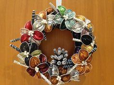 Avec capsules Nespresso Cup Art, Xmas Wreaths, Ornament Wreath, Christmas Tree, Christmas Ornaments, Handicraft, Holiday Decor, Handmade, Crafts