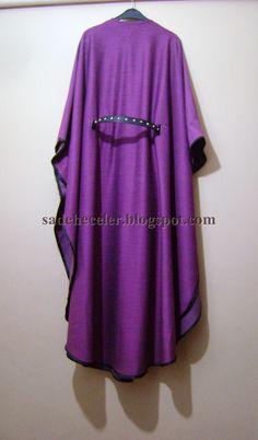 Yaklaşık 3 metre kumaş gidiyor pelerini yapmak için. Bu modelde kolu biraz kısa yaptım, 3-4 parmak bilekten kısa uzun gömleklerle k...