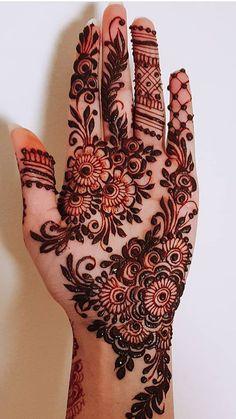 51 Fascinating Karwa Chauth Mehndi Designs For Newlywed Brides - Tattoo MAG Henna Hand Designs, Modern Henna Designs, Latest Arabic Mehndi Designs, Floral Henna Designs, Indian Mehndi Designs, Latest Bridal Mehndi Designs, Beautiful Henna Designs, Mehndi Designs For Hands, Henna Tattoo Designs