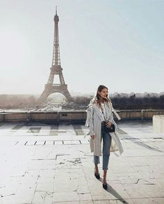 The Eiffel tower in Paris, France. Photography Beach, Travel Photography, Photography Workshops, Photography Ideas, Oh The Places You'll Go, Places To Travel, Leonie Hanne, Triomphe, Belle Villa