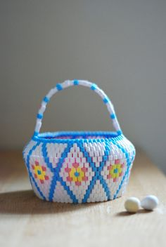 Easter Candy basket in white + blue. HEJSAN GOODS.