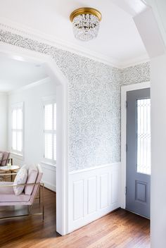 Tour a Home That Combines Bright Color and Playful Prints Wallpaper Accent Wall Bathroom, Hallway Wallpaper, Dining Room Wallpaper, Dining Room Wainscoting, Of Wallpaper, Wallpaper Ideas, Wainscoting Ideas, Trendy Wallpaper, Accent Walls In Living Room