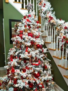 flocked christmas tree decorating ideas flocked tree oh this red only is really - Red And White Christmas Tree Decorations Ideas