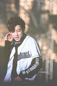 Excuse me, Park Chanyeol exo Baekhyun, Exo Chanbaek, Park Chanyeol Exo, Kim Minseok, Exo Ot12, Lightstick Exo, Kris Wu, Xiuchen, Bts And Exo
