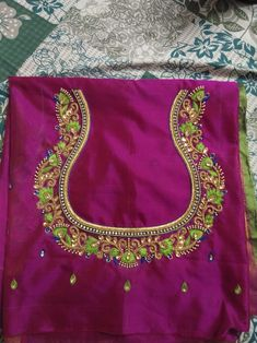 Indian Handloom Sarees and Silks Cutwork Blouse Designs, Wedding Saree Blouse Designs, Embroidery Neck Designs, Simple Blouse Designs, Stylish Blouse Design, Saree Blouse Neck Designs, Simple Embroidery, Hand Work Blouse Design, Sari Design