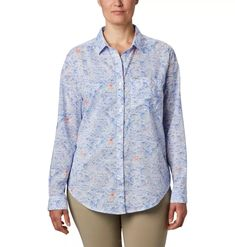 Layer this versatile shirt over a tee, tank, or bikini top, or wear it by itself for instant style. Hiking Outfits, Columbia Sportswear, Range Of Motion, Fishing Shirts, Lower Case Letters, Shoe Sale, Bikini Tops, Long Sleeve Shirts