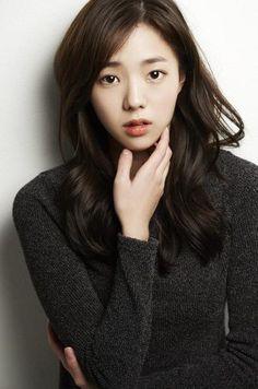 Love her hair! Korean Actresses, Korean Actors, Actors & Actresses, Korean Beauty, Asian Beauty, Korean Tv Shows, K Drama, Asian Cute, Korean Star