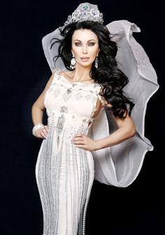 Kathy Polston-Dalton. Gown by Venzuelan designer Antonio Corbie