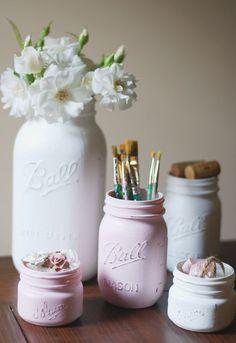 makey thursdays! chalk paint mason jars! | life of charmings #diy #chalkpaint #marthastewart