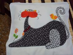 Gato Cat Quilt Patterns, Baby Applique, Cat Pattern, Cat Art, Dog Cat, Snoopy, Embroidery, Quilts, Pillows