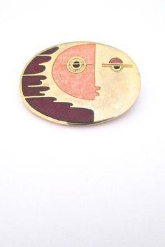 de Passille Sylvestre, Canada - vintage enamel 'fast face' brooch