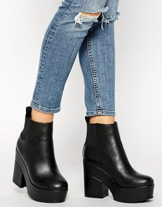 €72, Botines de Cuero Negros de Asos. De Asos. Detalles: https://lookastic.com/women/shop_items/287804/redirect