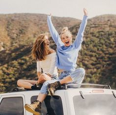 27 Ideas Photography Poses Bff Girlfriends For 2019 Photos Bff, Best Friend Photos, Bff Pictures, Best Friend Goals, Cute Photos, Bff Pics, Travel Pictures, Good Photos, Best Friends Photo Shoot