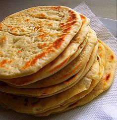 One of the most well-known foods in Greek cuisine is pita bread. It's used to scoop-up dips that are usually included in the mix of mezedes (Greek appetizers). Food Network Recipes, Food Processor Recipes, Cooking Recipes, Greek Pita Bread, Cyprus Food, The Kitchen Food Network, Greek Cooking, Flatbread Recipes, Greek Dishes