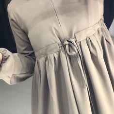 islamskaya odejda'in Instagram gönderisi • 9 Nis, 2018, 12:25ös UTC Hijab Style Dress, Casual Hijab Outfit, Hijab Chic, Abaya Fashion, Muslim Fashion, Modest Fashion, Fashion Dresses, Simple Hijab, Modele Hijab