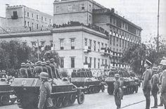 German victory parade in Athens, Greece Pin by Paolo Marzioli Greek History, World History, Invasion Of Poland, Victory Parade, Ww2 Photos, Yesterday And Today, In Ancient Times, Athens Greece, Military History