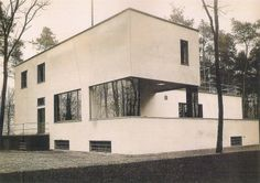 """""""German architecture firm Bruno Fioretti Marquez has completed a grand redesign of the House Gropius. The original House Gropius, designed by renowned Bauhaus architect Walter Gropius, was. Walter Gropius, German Architecture, Residential Architecture, Art And Architecture, Classical Architecture, Foster Architecture, Design Bauhaus, Bauhaus Style, Bauhaus Interior"""