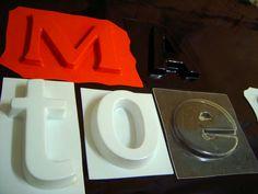 Letra caixa de acrílico moldado