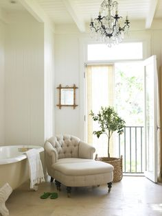 Wouldn't it be nice to have a chaise longue in your bathroom?
