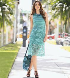 Голубое платье с ажурным узором - схема вязания крючком. Вяжем Платья на Verena.ru