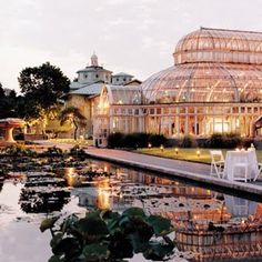 This is the Brooklyn Botanical Gardens, how lovely would a wedding ceremony/reception be here?
