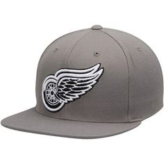 huge selection of 79320 05b65 Men s Detroit Red Wings Mitchell   Ness Gray Logo Series Snapback Hat