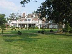 http://www.lexington-real-estate-and-homes.com/