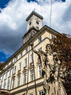 Lviv ukraine travel guide neptune statue infront of the Lviv town hall