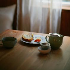 breakfast // darling weekend, a quiet life, days like these, morning tea - Good things. Breakfast Picnic, The Breakfast Club, Health Breakfast, Breakfast Photography, Food Photography, Healthy Soup Recipes, Summer Picnic, Afternoon Tea, Just In Case