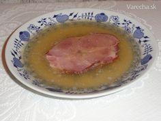 Huspeninu som varil tentokrát, len z vody, mäsa a z údeného mäsa.