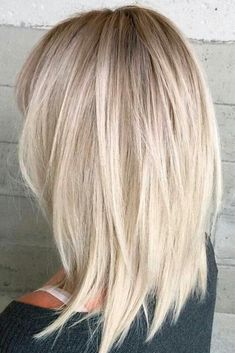 Grunge Haircut The best medium length hairstyles for long thick hair to emphasize your beauty! Thin Hair Haircuts, Short Hairstyles For Women, Hairstyles Haircuts, Short Haircuts, Medium Layered Hairstyles, Trendy Hairstyles, 2018 Haircuts, Layered Haircuts For Medium Hair Choppy, Medium Blonde Hairstyles
