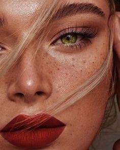 Red Lips Makeup Look, Face Paint Makeup, Makeup For Brown Eyes, Makeup Looks, Eye Makeup, Hair Makeup, Makeup Hairstyle, Female Portrait Poses, Beauty Portrait