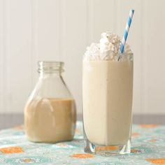 Vanilla ice cream, Irish cream and caramel sauce. What else you need for a great drink? Salted caramel Baileys milkshake