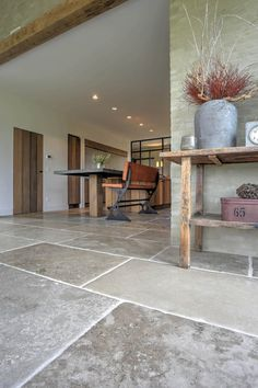 A beautiful floor of Burgundian dales. The beautiful color scheme and authentic look ensures that your floor is and remains attractive and timeless. Stone Tile Flooring, Stone Tiles, Rustic Stone, Wood Vinyl, Flooring Options, Common Area, Classic House, Rustic Chic, Home Renovation