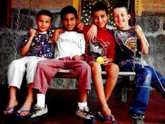 Volunteer with kids in Brazil