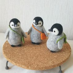 Cute Needle felted project wool animals penguins (Via @chikuchikuya)                                                                                                                                                                                 More