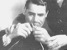 Cary Grant needs a hand!